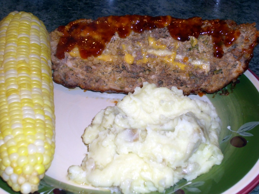 Yummy meat loaf, home made mashed potatoes and fresh corn. Can we say yummy!?