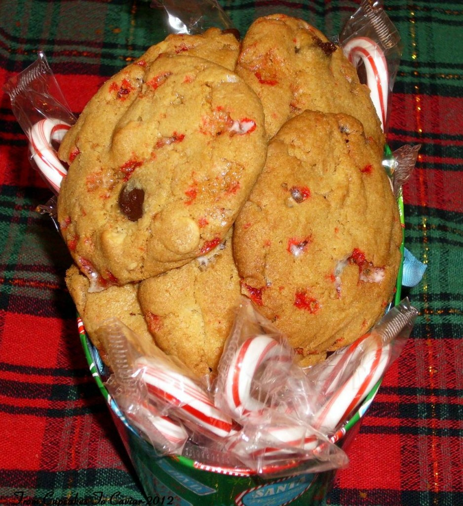 Peppermint Bark Chocolate Chip Cookies 3