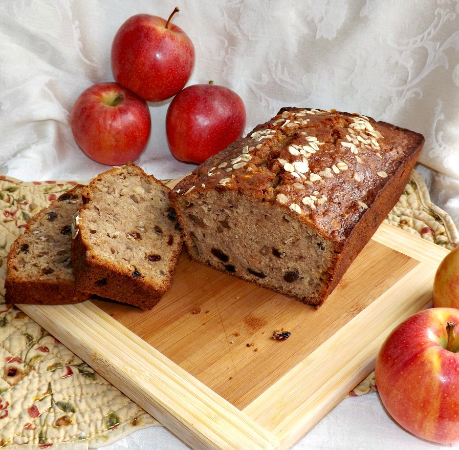 Easy Spiced Applesauce Oatmeal Quick Bread 3